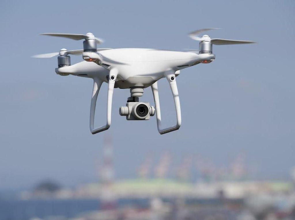 Canggih! Polisi China Awasi Pelanggar Lalu Lintas Pakai Drone