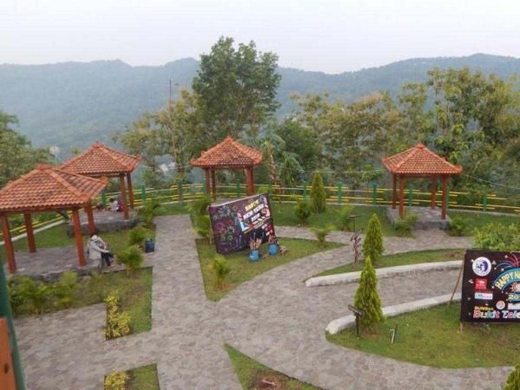 Bukit Teletubbies dari Yogya