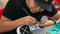 Sneakers Nike Tema Mie Instan Dilirik Indomie, Boleh Produksi 25 Pasang Saja