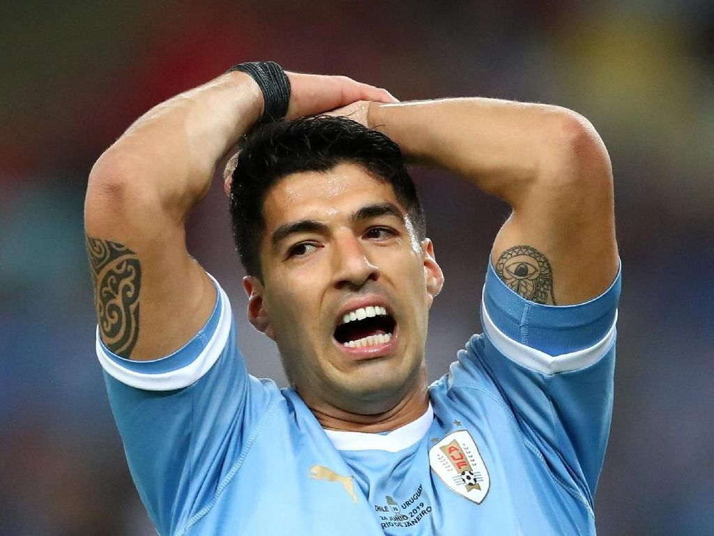 Lucunya Suarez, Minta Penalti Saat Kiper Lawan Sentuh Bola Pakai Tangan