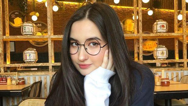 Stephanie Poetri