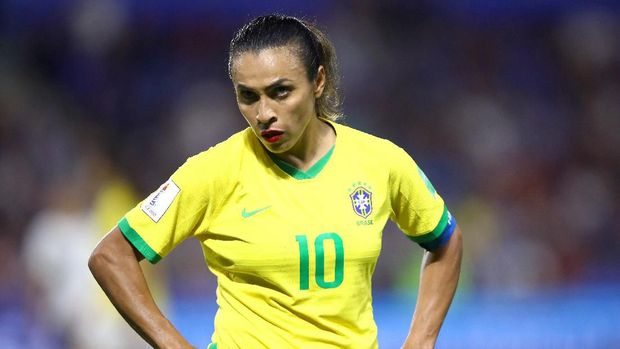LE HAVRE, FRANCE - JUNE 23: Marta of Brazil looks on during the 2019 FIFA Women's World Cup France Round Of 16 match between France and Brazil at Stade Oceane on June 23, 2019 in Le Havre, France. (Photo by Alex Grimm/Getty Images)