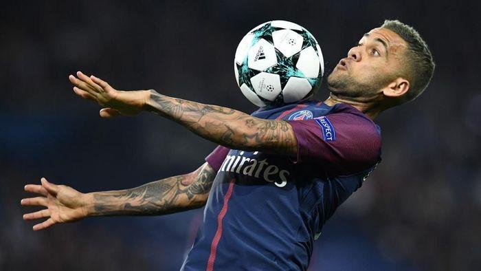 Dani Alves diminati Inter Milan. (Foto: Franck Fife / AFP)