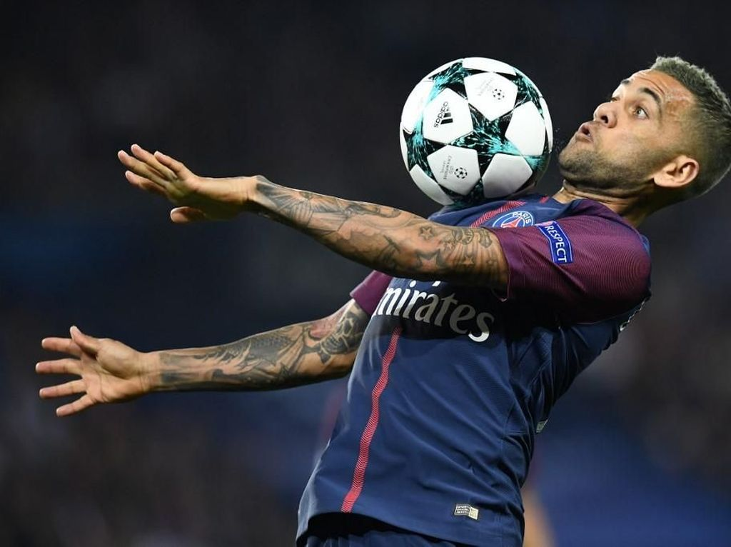 Mau Bergabung Inter Milan, Alves?