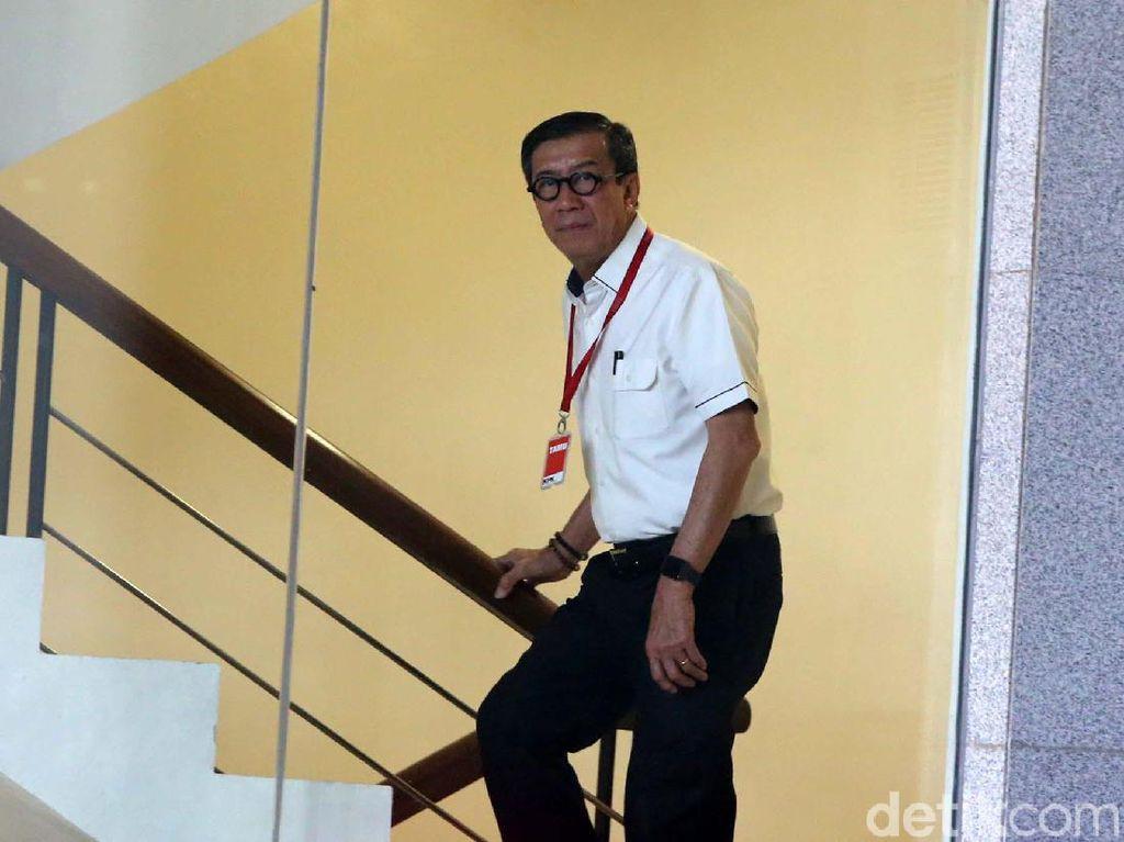 Jadi Saksi Kasus e-KTP, Yasonna Laoly Dicecar Risalah Rapat Komisi II