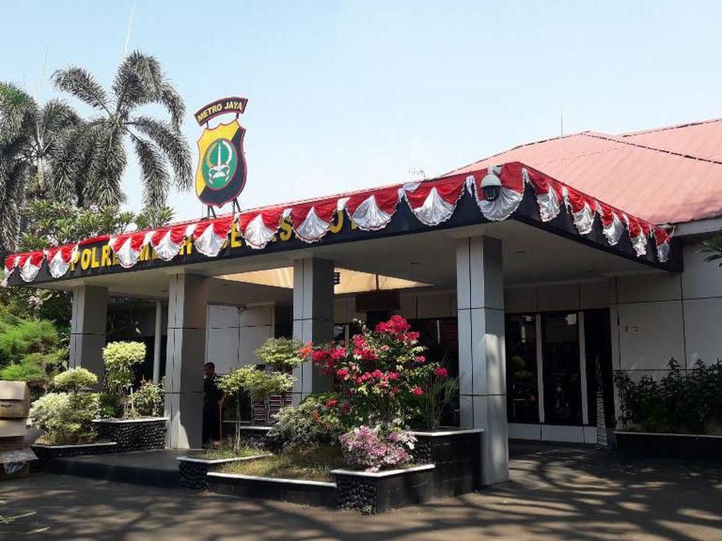 Polisi Masih Lengkapi Berkas Kasus Tetangga Tusuk Pengacara di Bekasi