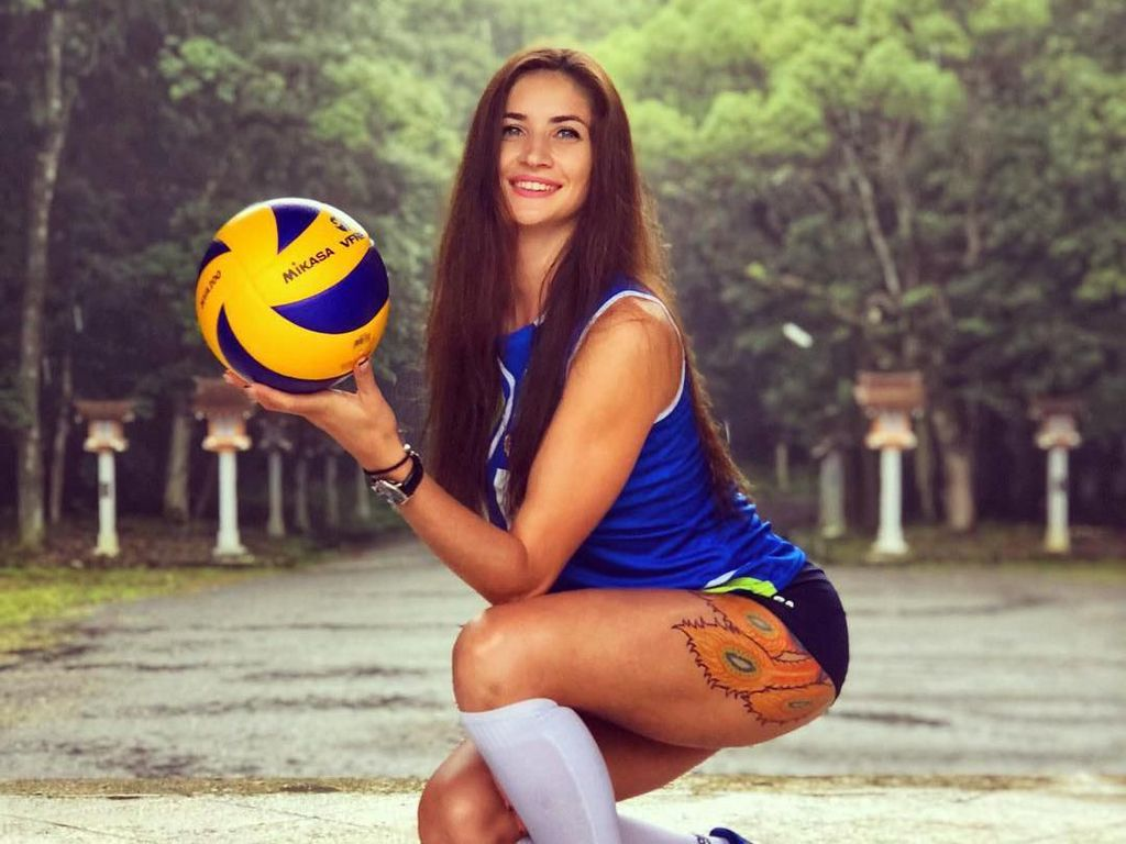 Potret Kristina Karapetyan, Atlet Voli Kazakhstan yang Berparas Menawan