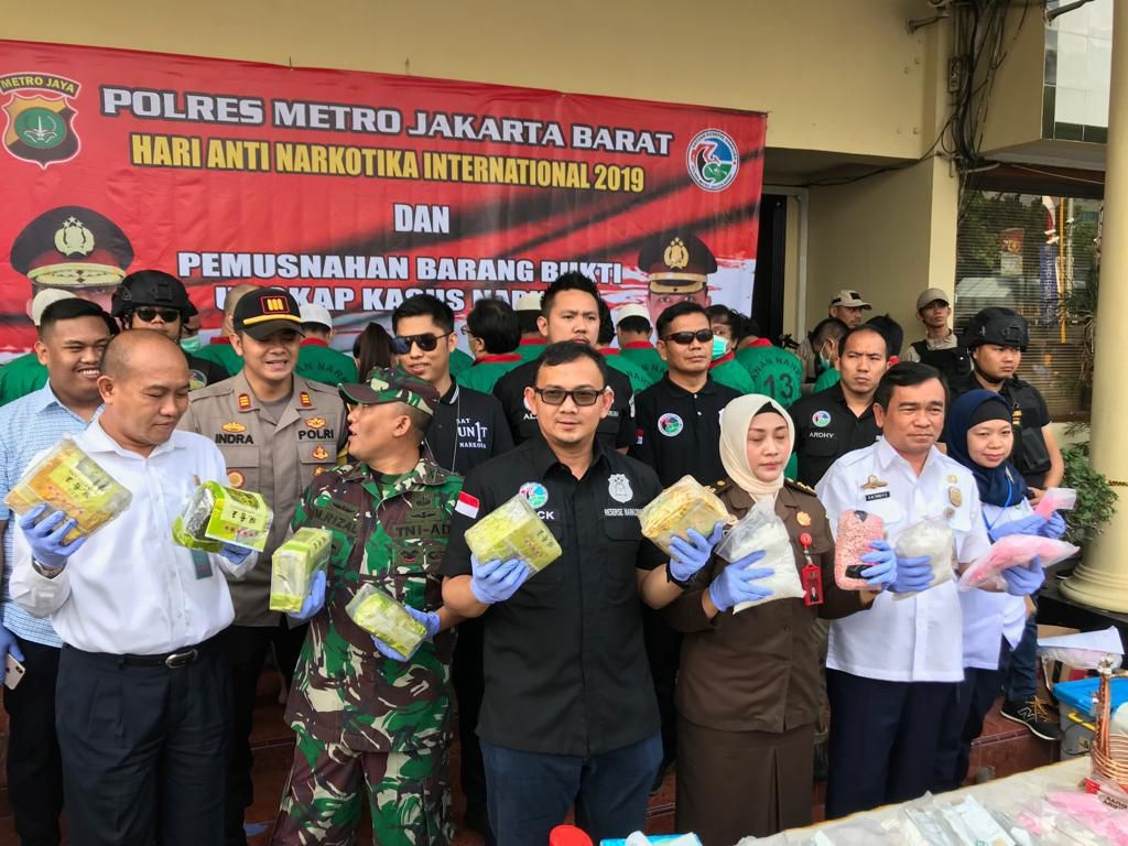 Polres Jakbar Musnahkan Sabu Asal AS dan Narkoba Lain Senilai Rp 200 M