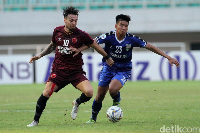 Bertanding di Stadion Pakansari, Cibinong, Kab. Bogor, Rabu (26/6/2019), PSM harus mengejar kekalahan 0-1 dari leg pertama di Vietnam.