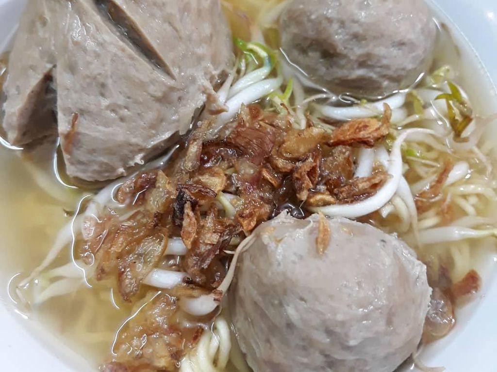 5 Tempat Makan di Rawamangun yang Punya Bakso Enak