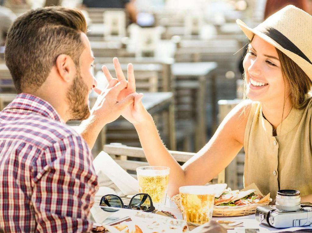 Ternyata Banyak Wanita yang Berkencan Demi Dapat Makanan Gratis