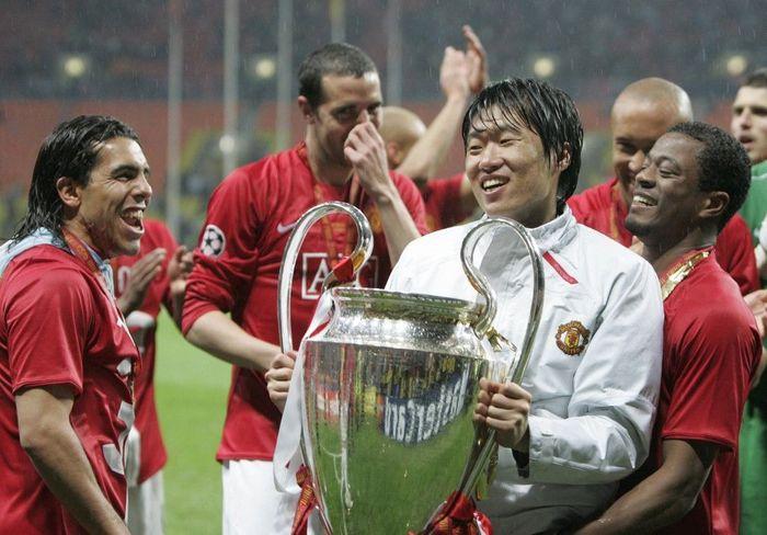 Penyesalan mendalam Sir Alex Ferguson adalah mencoret Park Ji-sung di final Liga Champions 2008. (Foto: Paul Ellis / AFP)