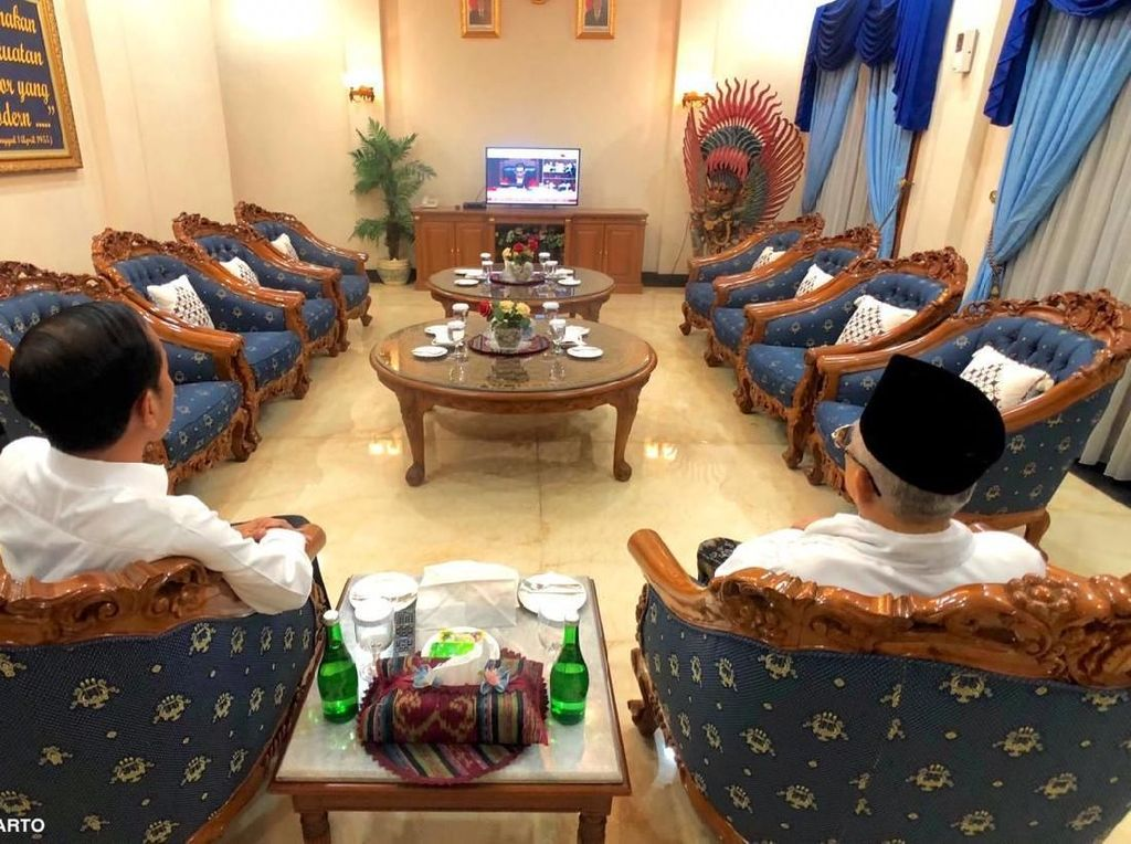 Jokowi-Maruf Nonton Sidang MK di Halim