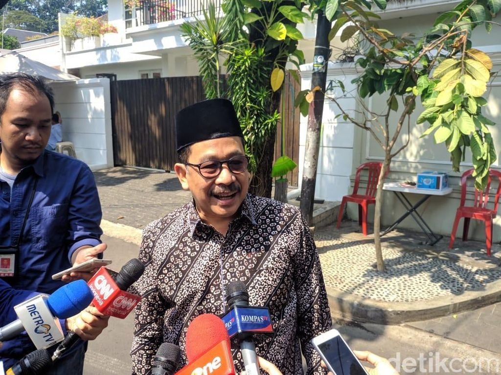 Jelang Pelantikan, Maruf Amin Banyak Senyum dan Bercanda