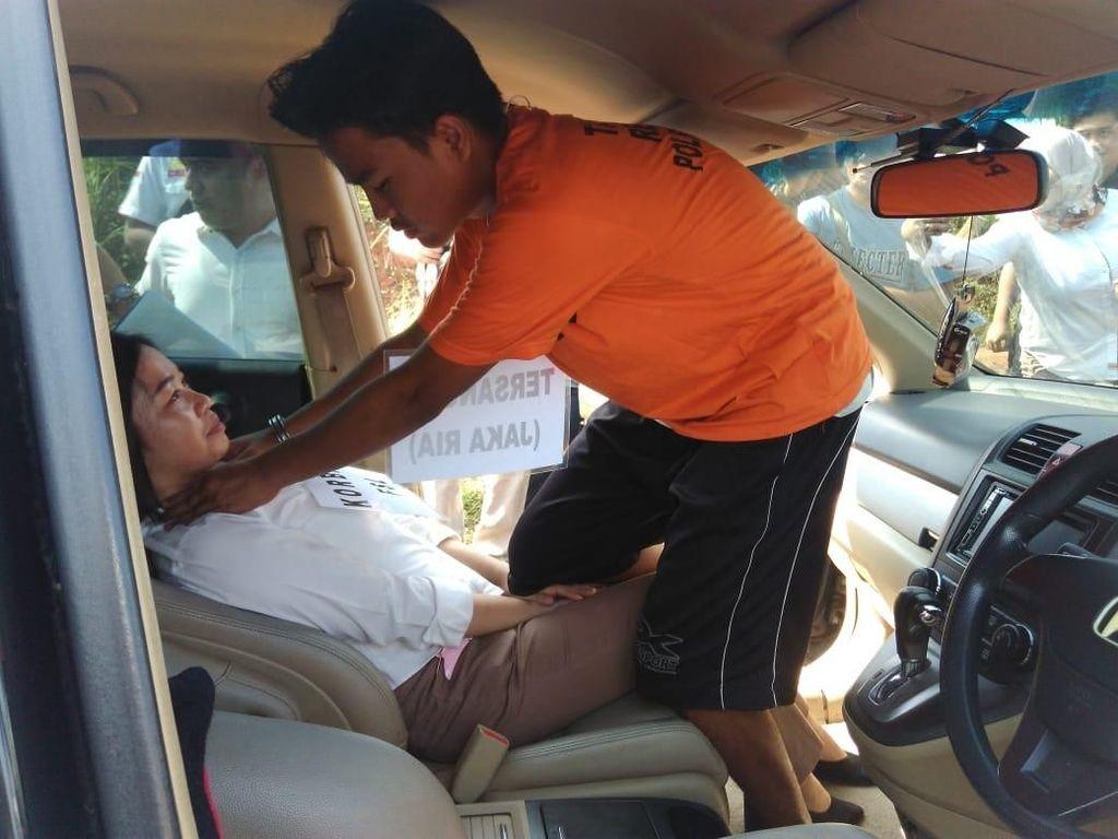 Polisi Rekonstruksi Pembunuhan ABG Perempuan oleh Tunangan di Tangerang