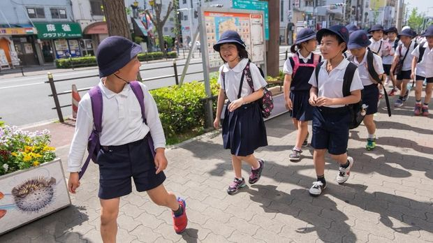 ilustrasi anak SD di Jepang
