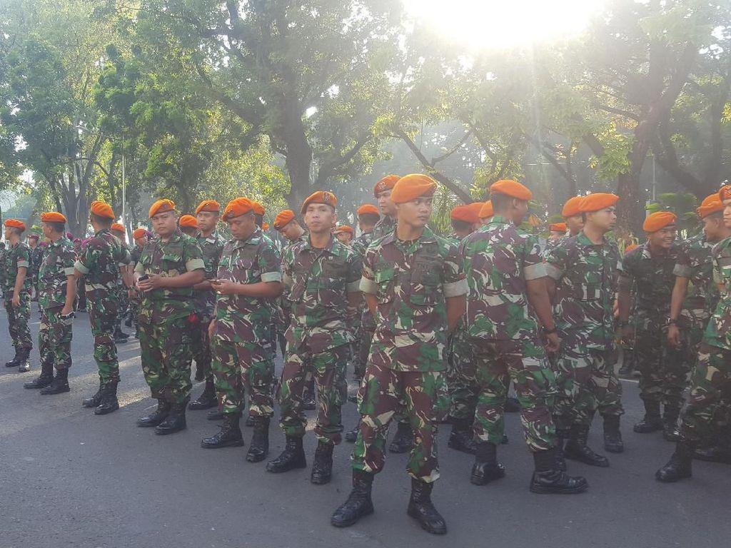 Pengamanan MK: Polisi dan TNI Berjaga, Baracuda Bersiaga