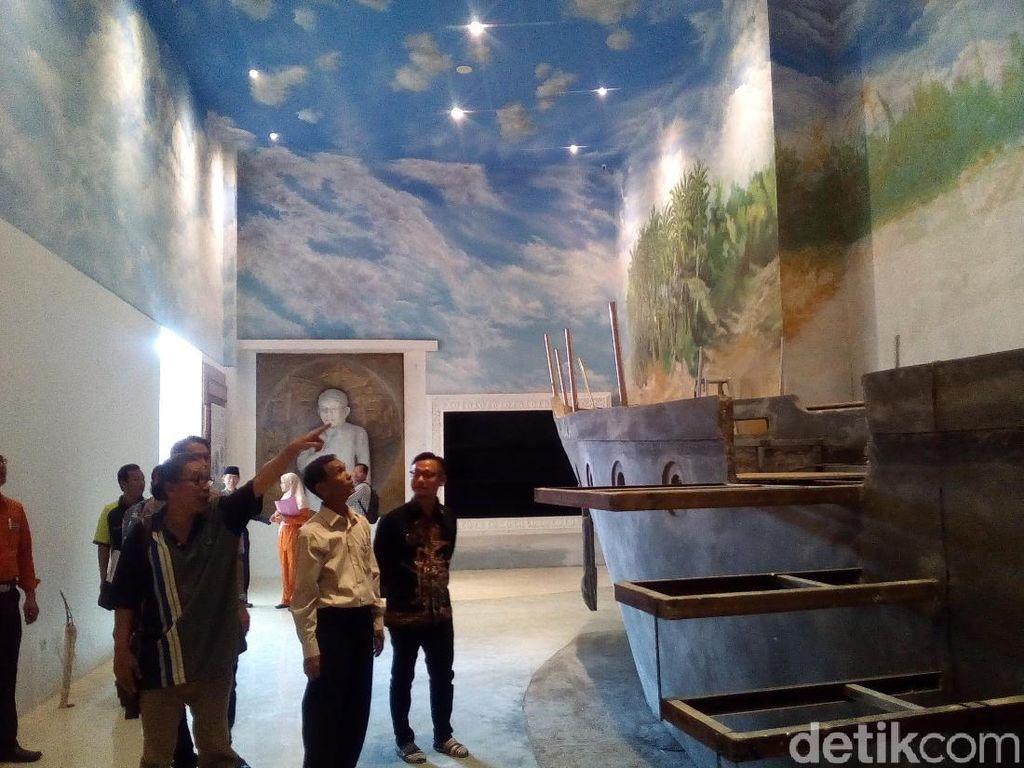 Foto: Ada Replika Kapal di Dalam Museum Jenang
