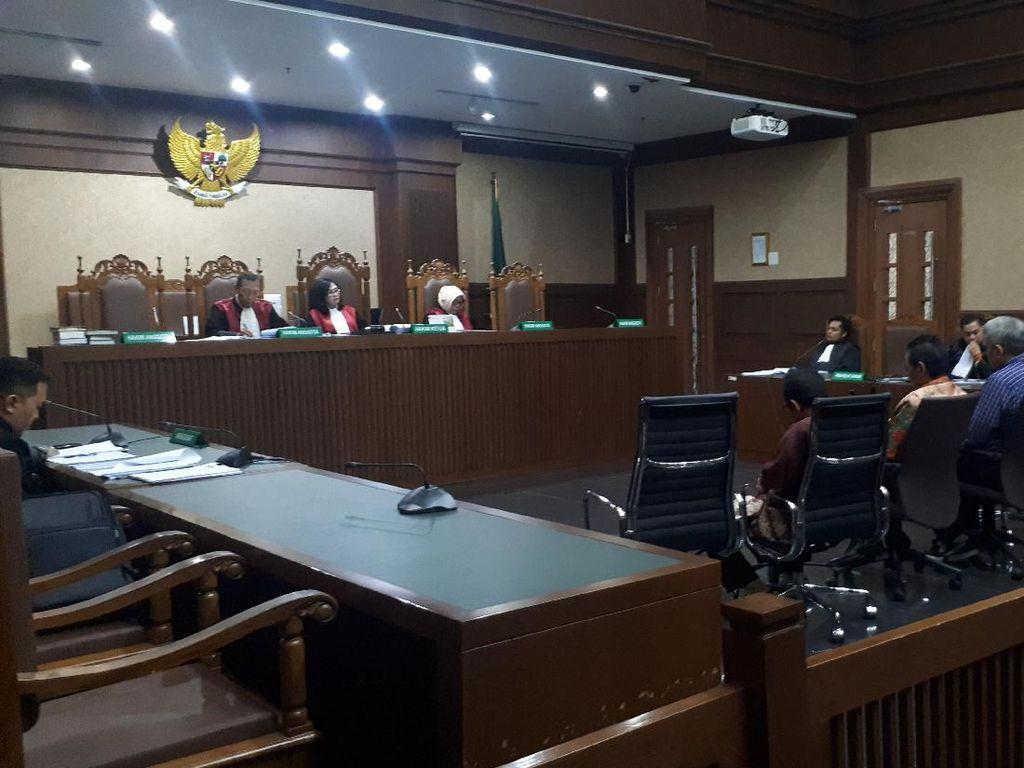 Sembari Menangis, Hakim PN Jaksel Menyesal Terima Uang Suap Rp 90 Juta