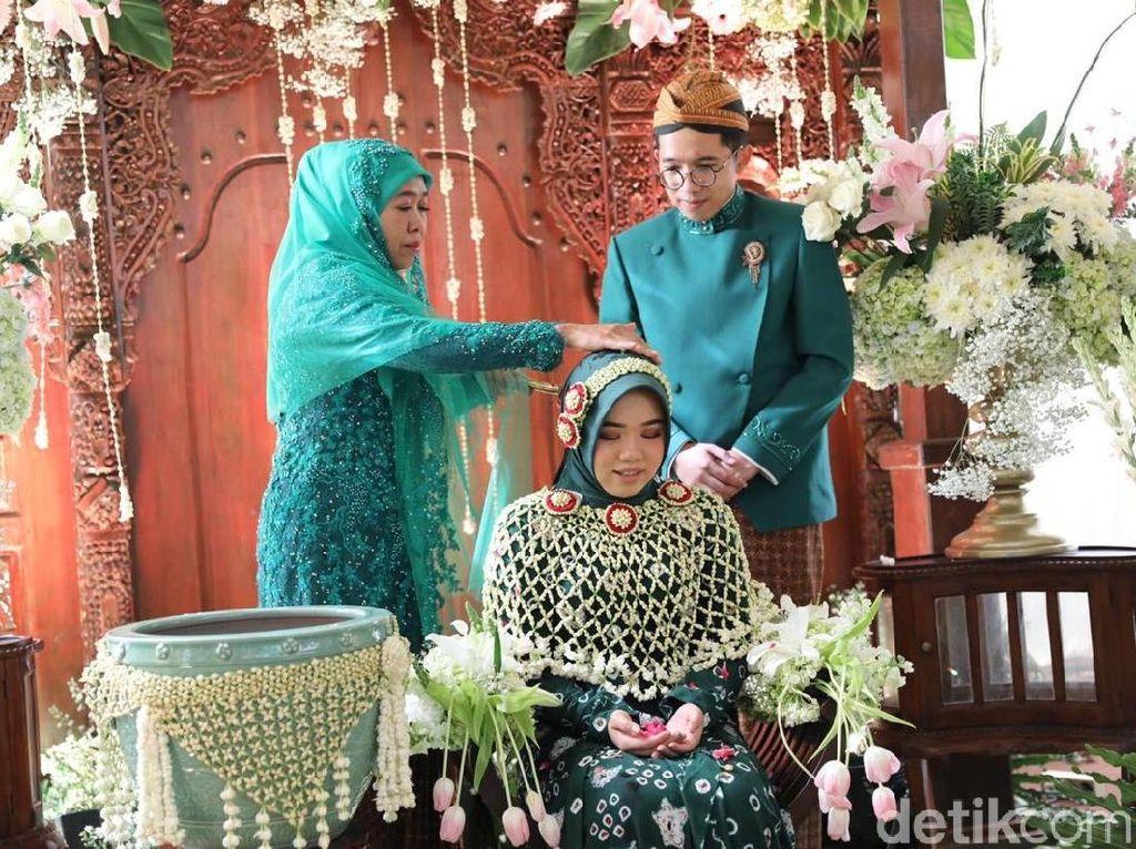 Doa Gubernur Khofifah untuk Kesembuhan Risma yang Dirawat di ICU