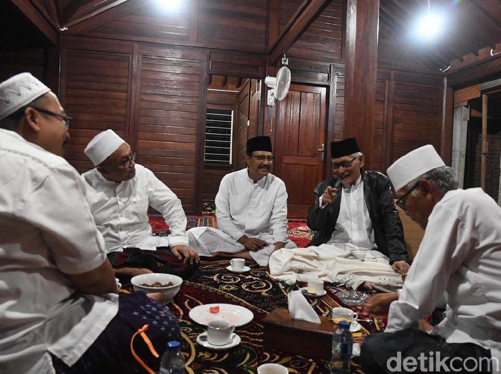Kiai Sepuh Jatim Apresiasi Pernyataan Jokowi dan Prabowo Pasca Keputusan MK