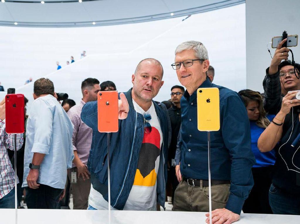 Frustrasi pada Tim Cook Bikin Jony Ive Hengkang dari Apple?