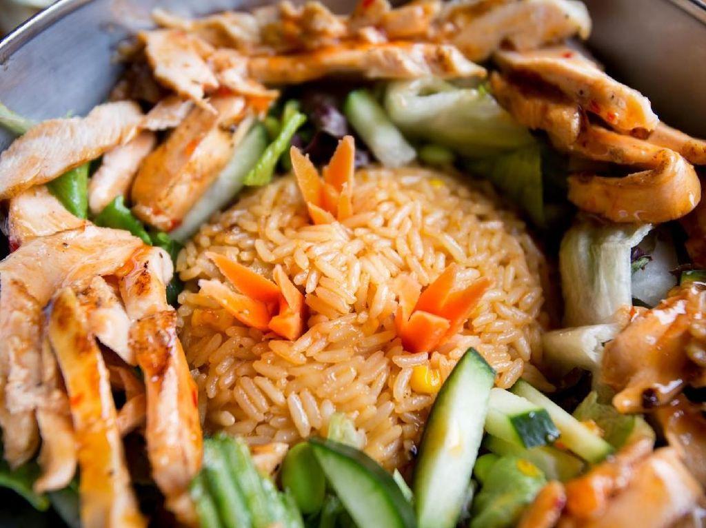 Anak-anak Suka Ayam? Yuk, Bikin Olahan Nasi dan Ayam yang Enak Ini