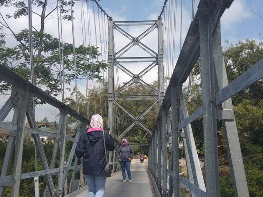 Foto: Jembatan Jokowi Yang Hits di Magelang