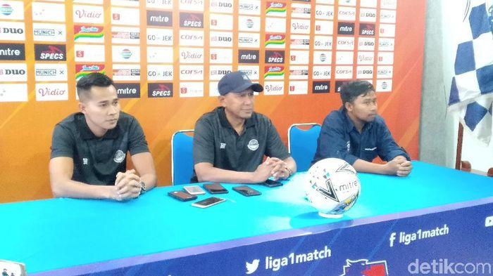 Pelatih Tira Persikabo, Rahmad Darmawan (tengah) (Muhammad Aminudin/detikSport)