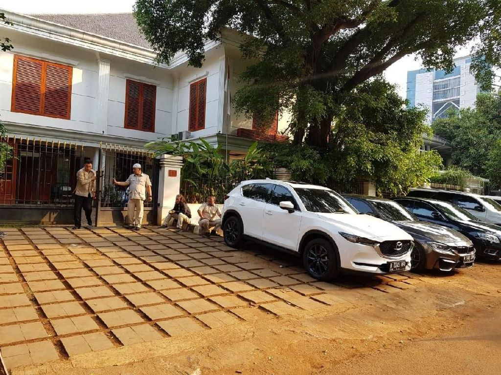 Belum Dapat Izin Polisi, Massa Tunda Aksi di Depan Rumah Prabowo