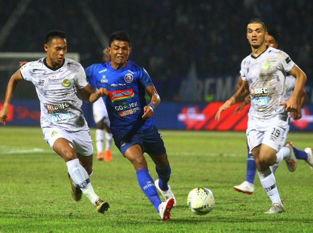 Hasil Liga 1 2019: Gol di Menit Akhir Menangkan Tira Persikabo Atas Arema