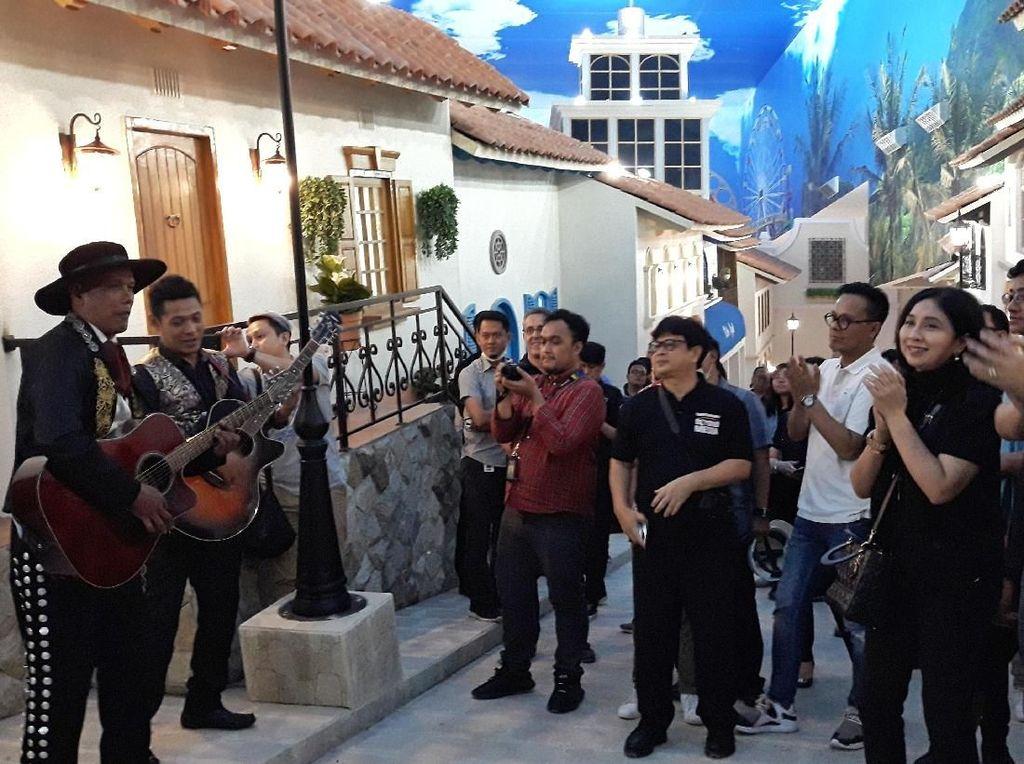 Horas! Seruan CT Saat Saksikan Tarian Meksiko di Trans Studio Jakarta di Cibubur