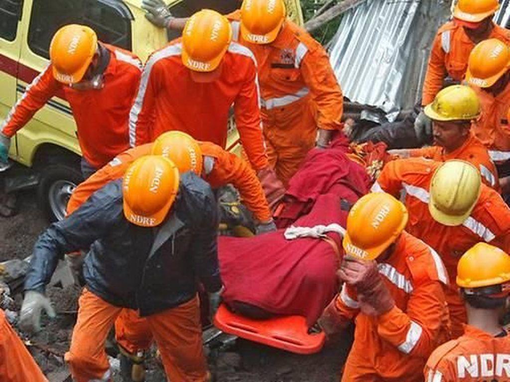Tembok Ambruk Menimpa Gubuk Pekerja Bangunan di India, 15 Orang Tewas