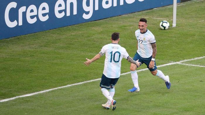 TImnas Argentina merayakan gol Lautaro Martinez ke gawang Venezuela. (Foto: Sergio Moraes/Reuters)