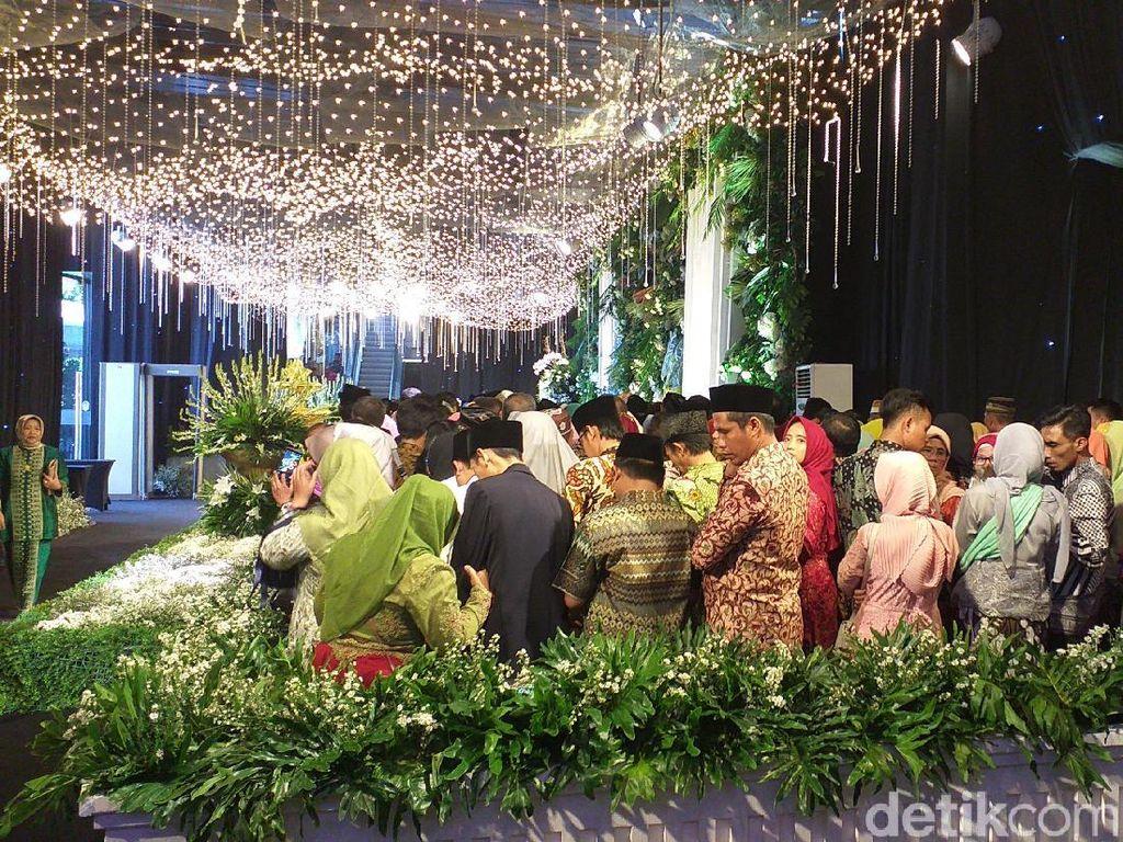 Ada Tamu Undangan Pingsan di Resepsi Pernikahan Anak Khofifah