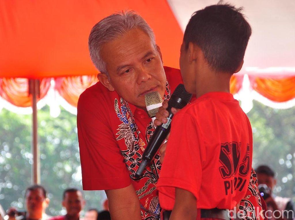 Ganjar Minta Orang Tua dan Siswa Tak Perlu Panik Soal PPDB