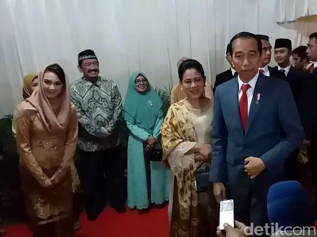 Jokowi Hadiri Resepsi Pernikahan Anak Gubernur Khofifah