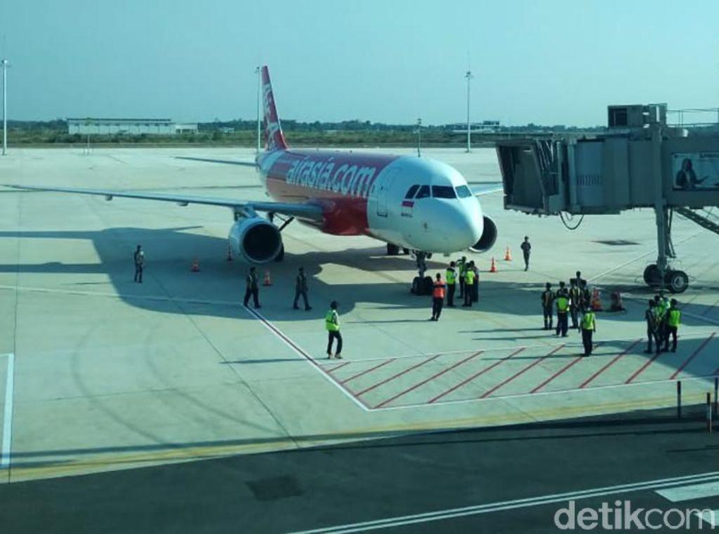 Suasana Hari Pertama Bandara Kertajati Dapat Limpahan Penerbangan