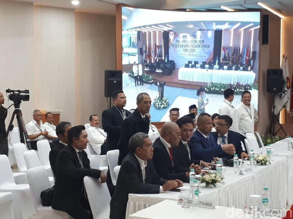 Elite Gerindra Hadiri Penetapan Presiden Terpilih di KPU