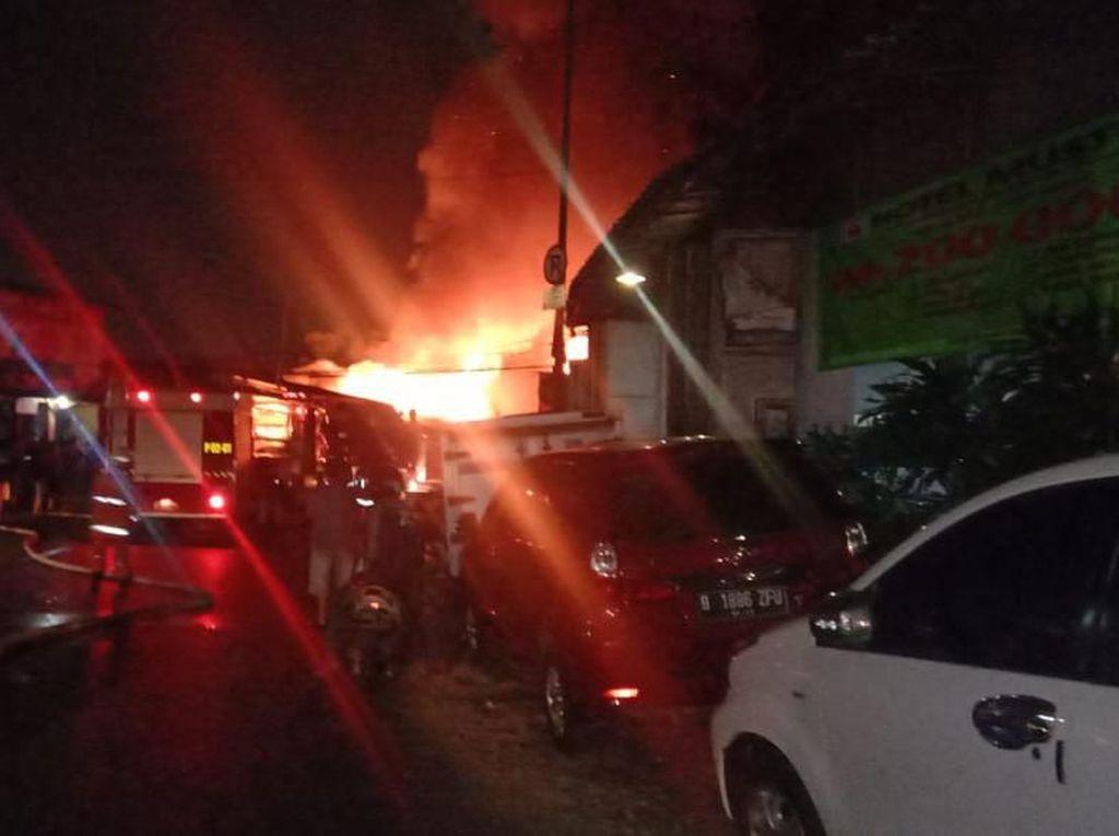 Kebakaran di Tanah Abang, 28 Unit Pemadam Dikerahkan