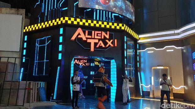 Alien Taxi di Trans Studio Cibubur di Jakarta