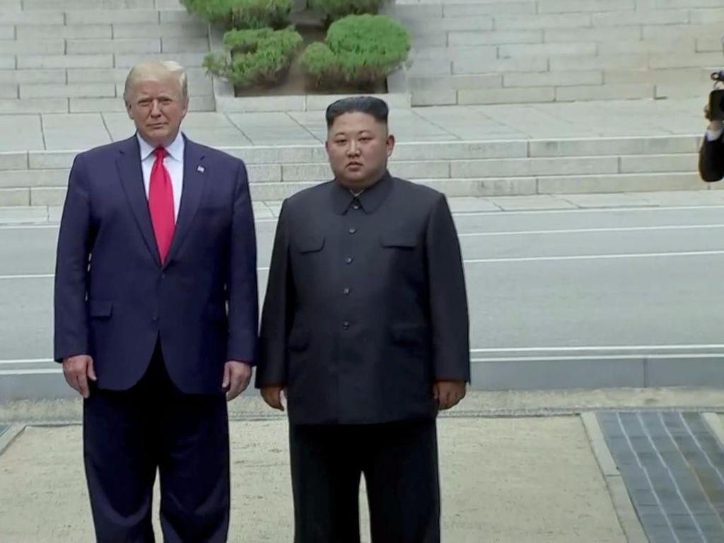 Bertemu Kim Jong Un di DMZ, Trump Injakkan Kaki di Wilayah Korut