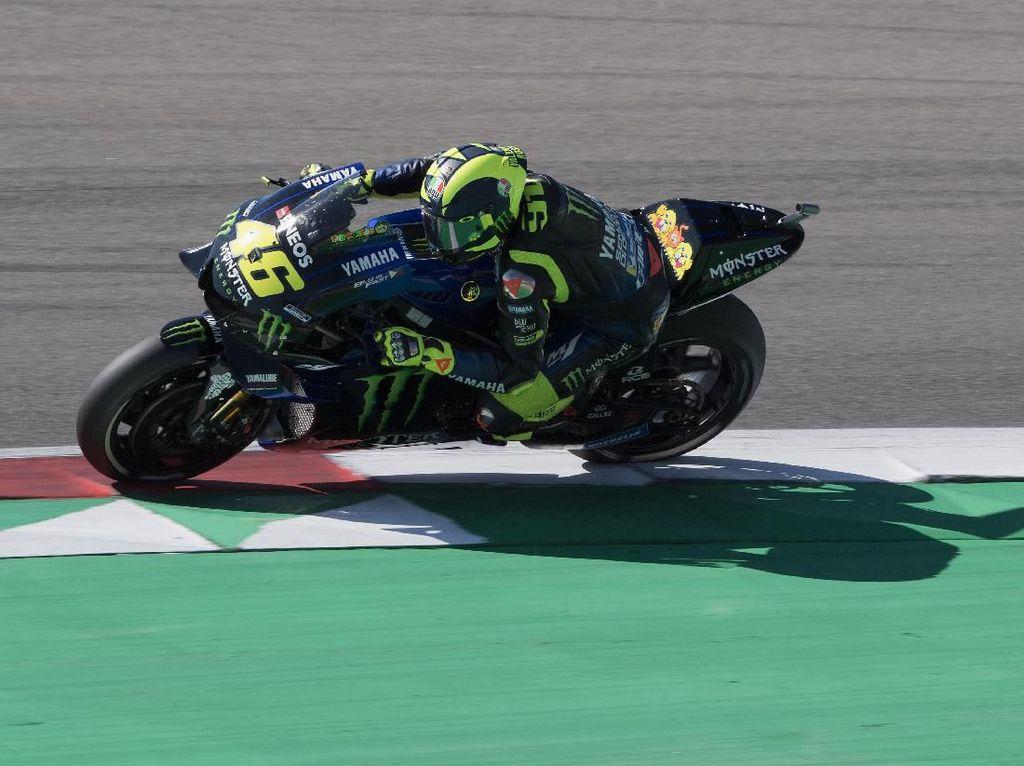 Valentino Rossi Terjatuh, Salah Motor atau Pebalapnya?