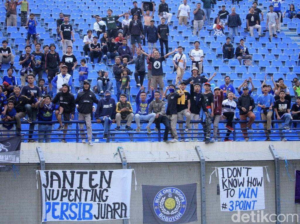 Liga 1 Berpeluang Dihadiri Penonton Terbatas, Epidemiolog: Harap Bersabar