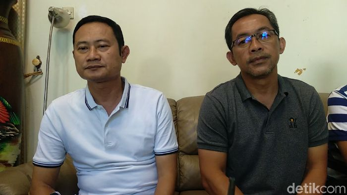Aji Santoso (kanan) mundur dari kursi pelatih Persela Lamongan (Eko Sudjarwo/detikSport)