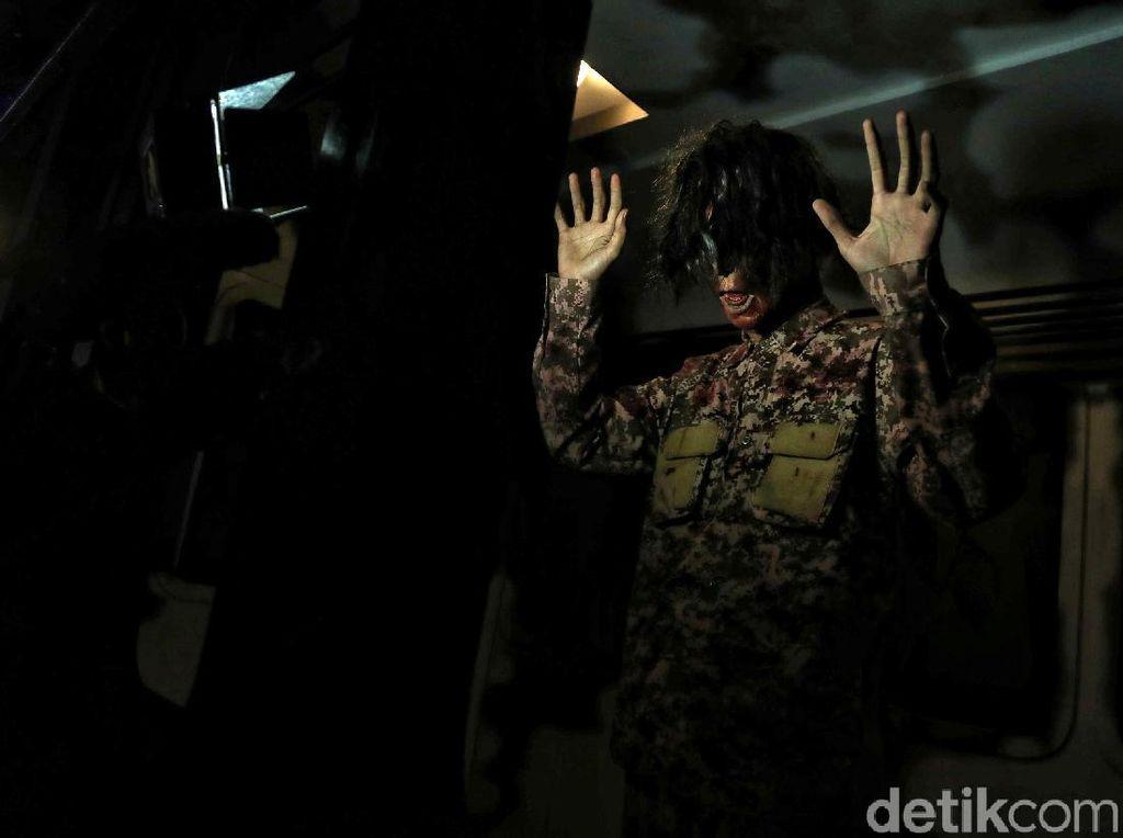Uji Nyali Lawan Zombie di Trans Studio Cibubur