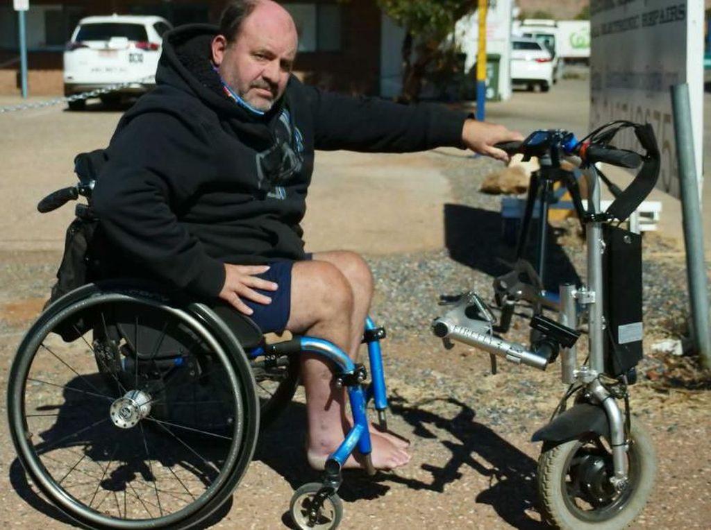 Kursi Rodanya Terlalu Cepat, Pria Penyandang Disabilitas Disetop Polisi
