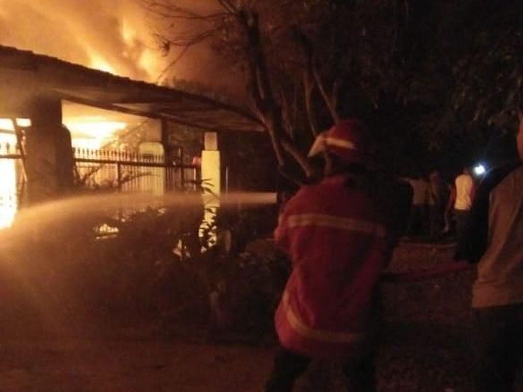 Diduga dari Kompor Gas, Kebakaran di Binjai Hanguskan 8 Rumah