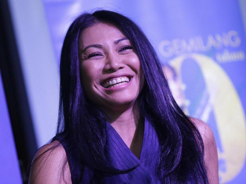 Anggun C Sasmi Gelar Konser Amal untuk Bangun Sekolah