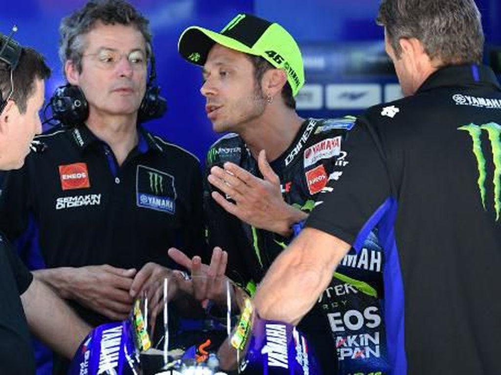 Adik Tiri Rossi Keberatan Kakaknya Terdepak dari Tim Yamaha